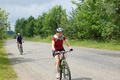 Biciklisti s opremom