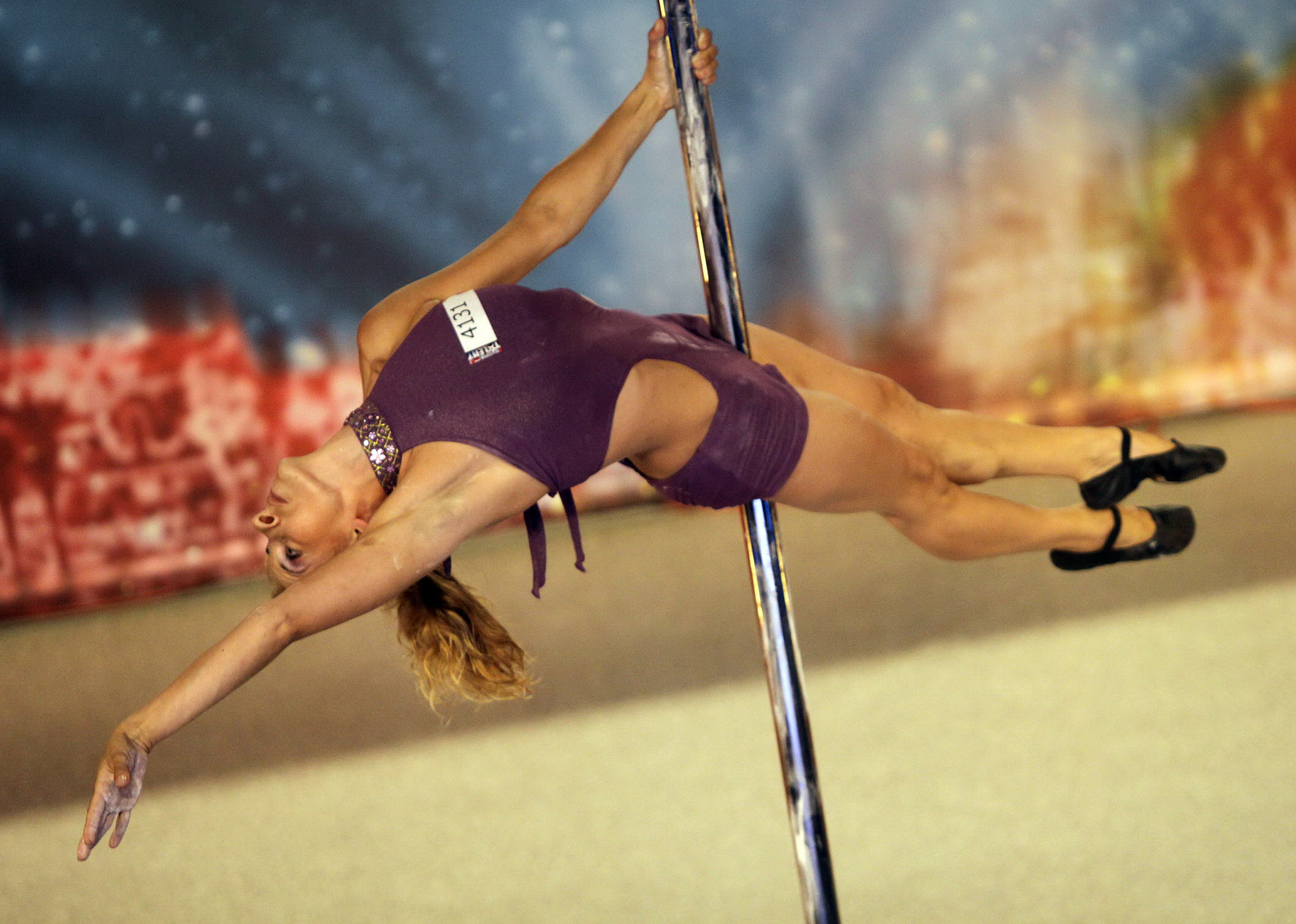Ingrid-poledance